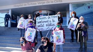 1 de cada 4 dones que avorten a Catalunya acaba pagant una clínica privada per fer-ho
