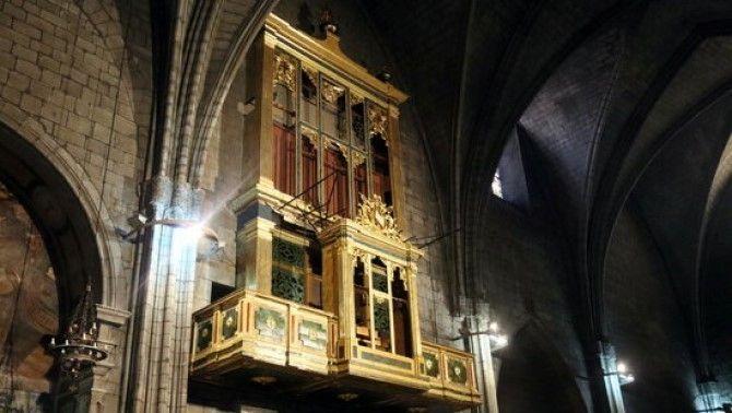 L'orgue de la catedral de Solsona llueix amb uns colors brillants després de la restauració del moble neoclàssic