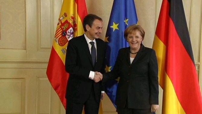 Merkel posa bona nota a les reformes espanyoles i descarta una intervenció