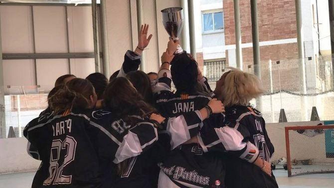 El Cent Patins guanya la Lliga femenina i culmina un triplet històric