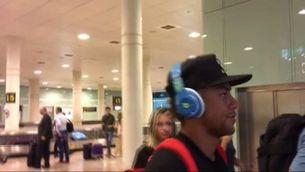 Neymar arriba a Barcelona i sense parlar del seu futur
