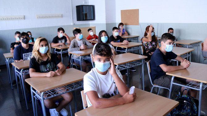 Pla general d'una classe amb alumnes d'ESO a l'institut Cristòfol Despuig de Tortosa. Imatge del 14 de setembre de 2020. (horitzontal)