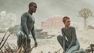 "5 sèries per fugir del planeta: De ""Brave New World"" a ""Raised by wolves"""