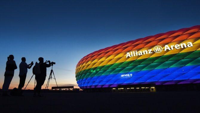La UEFA no autoritza l'Allianz Arena de Munic a mostrar els colors del col·lectiu LGTBI