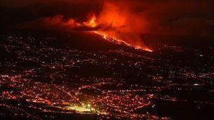 La lava del volcà Cumbre Vieja, a la Palma, avança a 700 metres per hora