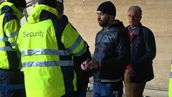 Dinamarca confiscarà els objectes de valor dels refugiats per finançar-ne l'acollida