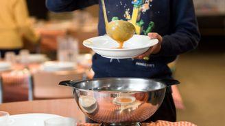 """El programa """"Servim-nos com a casa"""" vol implantar bons hàbits alimentaris als alumnes"""