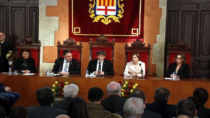 """Puigdemont promet """"persistir"""" davant les """"amenaces"""" de l'Estat com van fer les Bases de Manresa fa 125 anys"""