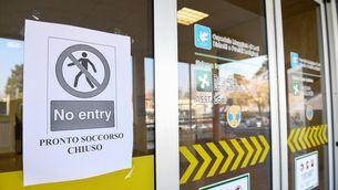 Mor el metge italià que atenia pacients de coronavirus sense guants perquè no n'hi havia