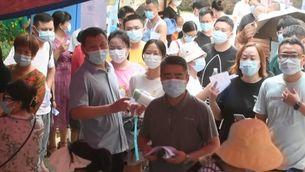 Testos massius a Wuhan després de detectar-hi vuit positius