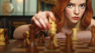 """Una llegendària jugadora d'escacs demanda Netflix per difamar-la a """"Gambito de dama"""""""