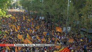 Milers de manifestants ocupen el centre de Barcelona