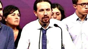 Pablo Iglesias compareix davant la premsa en la nit electoral del 26-J