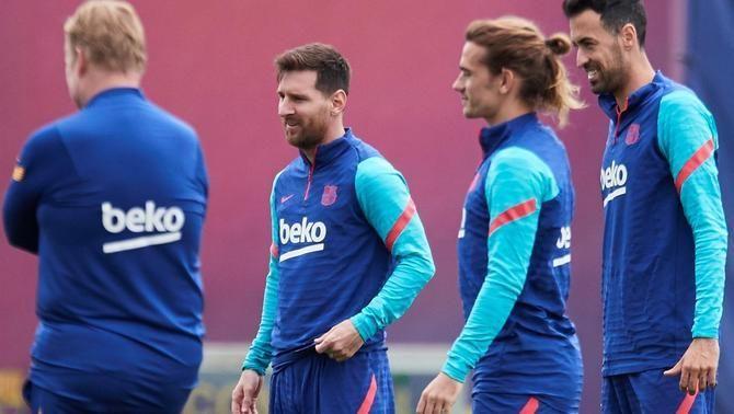 El Barça visita el camp del Llevant amb l'obligació de guanyar