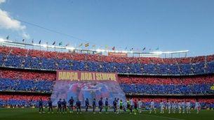 L'estadi va tenir una bona entrada i el mosaic d'abans del partit va lluir (