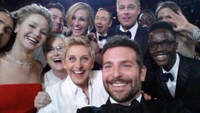 """Una """"selfie"""" d'Ellen DeGeneres bat el rècord de tuit més retuitejat"""