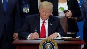 Trump signa l'ordre executiva per a la construcció del mur a la frontera amb Mèxic