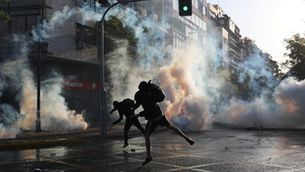 """L'exèrcit va haver d'intervenir a les protestes, que el govern xilè va qualificar de """"guerra"""" (Foto:Reuters/Ivan Alvarado)"""