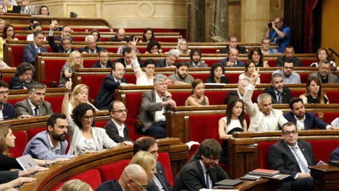 El Parlament desobeeix el TC aprova la desconnexió a partir de les conclusions de la Comissió del Procés Constituent