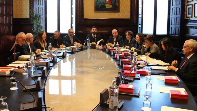 La mesa del Parlament manté Torra com a diputat amb el vot a favor del PSC