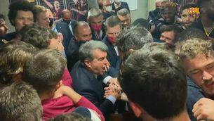 Nova celebració icònica de Laporta en un vestidor