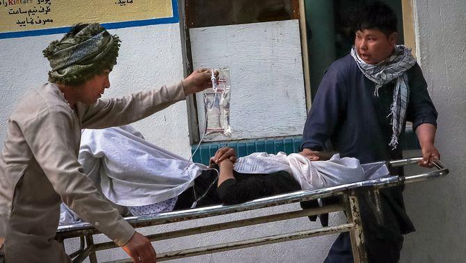 Un atemptat contra una escola femenina a Kabul fa almenys 55 morts