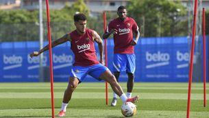 Coutinho es deixa veure sobre la gespa de la Ciutat Esportiva