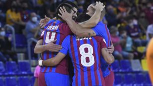 els jugadors s'abracen