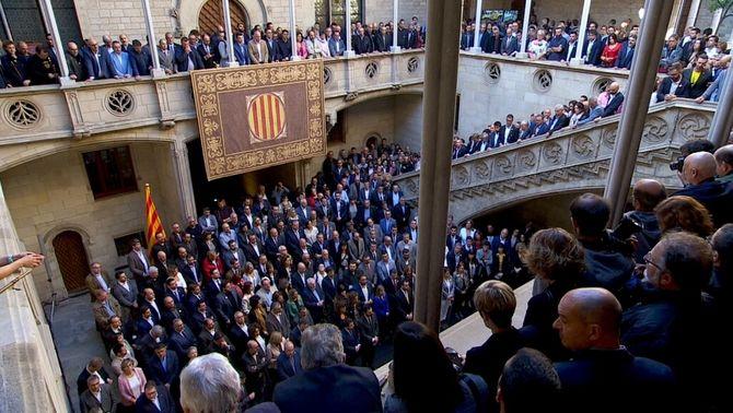 814 alcaldes i alcaldesses entreguen a Torra mocions contra la sentència