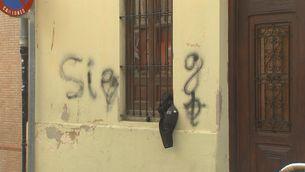 Pintades nazis a la casa on es roda la pel·lícula sobre Guillem Agulló