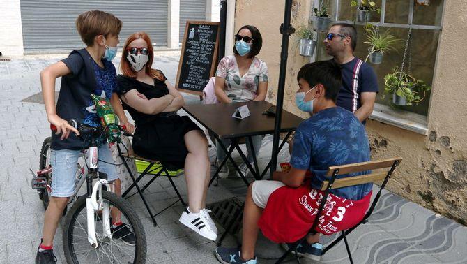 La mascareta serà obligatòria en espais tancats i al carrer quan no hi hagi prou distància