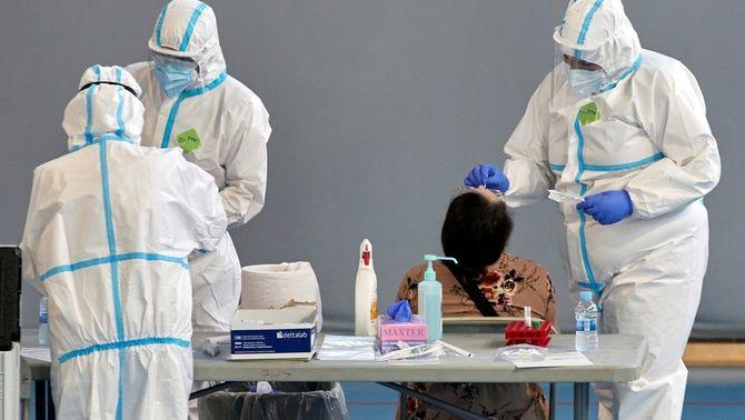 Hospitals catalans proven un test ràpid per a diagnosticar la Covid en 15 minuts