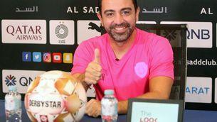 Xavi Hernández somrient durant la roda de premsa (@AlSaddSC)