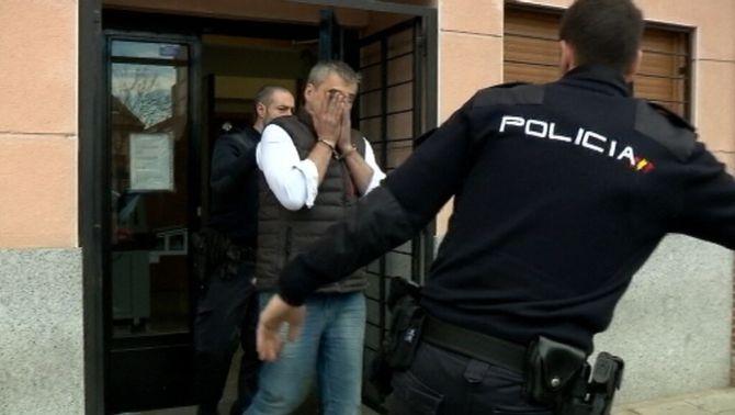 Cristóbal López, en el moment de sortir dels jutjats