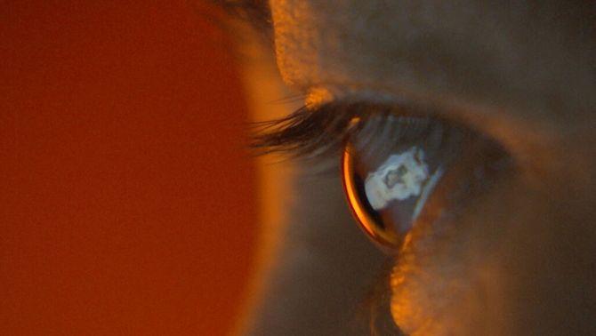 Netejar Facebook d'imatges violentes, una feina amb conseqüències psicològiques