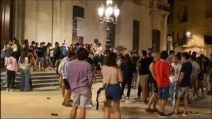 Desmantellen una festa de final de selectivitat amb 400 estudiants a Tarragona