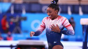 Simone Biles guanya la medalla de bronze en barra d'equilibris