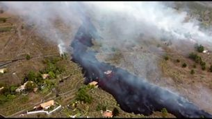 Entra en erupció el volcà Cumbre Vieja, a l'illa canària de La Palma