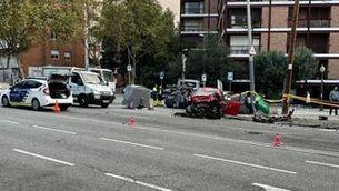 Un motorista mor en un accident a la Via Augusta de Barcelona