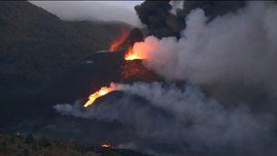 Es trenca una boca del volcà Cumbre Vieja, a l'illa de La Palma