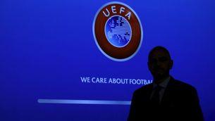 """Escorcollen la seu de la UEFA pels """"papers de Panamà"""""""
