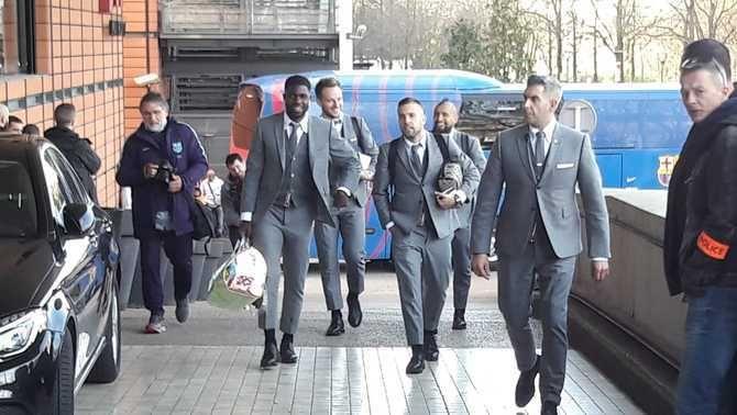 El Barça aterra a Lió amb la gran novetat de Samuel Umtiti a la convocatòria
