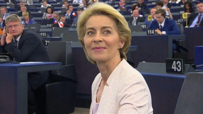 Ursula von der Leyen, en el moment de guanyar la votació a l'Eurocambra