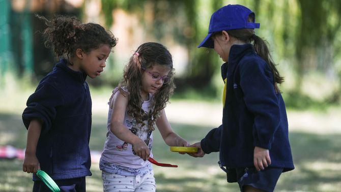 Nens, nenes i Covid-19: tot el que se sap fins ara de la seva capacitat de transmissió