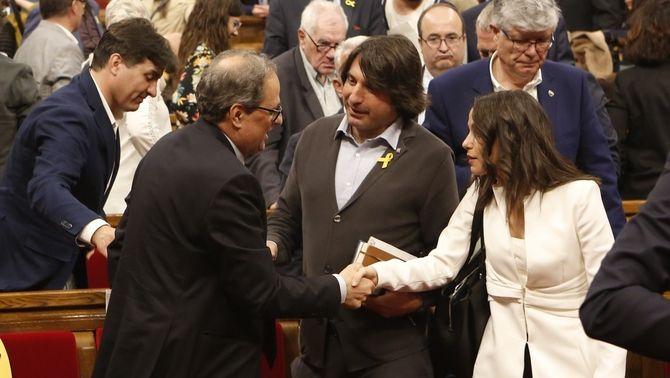 Torra i Arrimadas se saluden al Parlament, després de la primera sessió del ple d'investidura (ACN)
