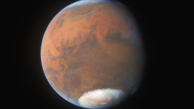 Llacs sota el gel de Mart, una troballa que fa pensar que hi hagi microorganismes