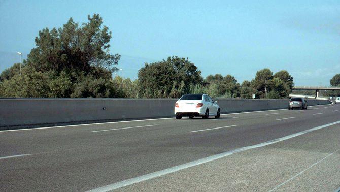 Imatge dels dos vehicles difosa pels Mossos d'Esquadra (ACN)