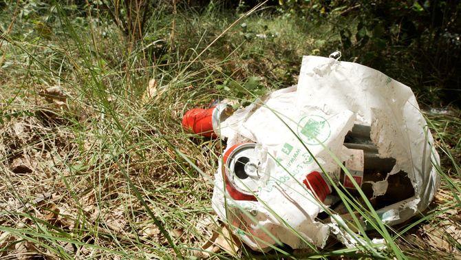 L'abandonament de deixalles és un dels problemes de la presència humana als espais naturals