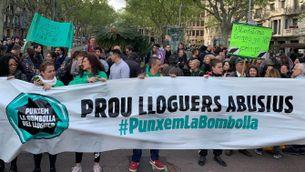 Els catalans destinen prop de la meitat del sou a pagar el lloguer