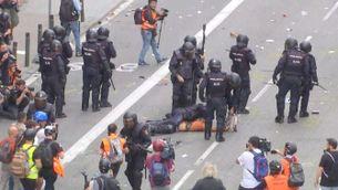 Càrregues de la Policia Nacional contra els estudiants a la Via Laietana